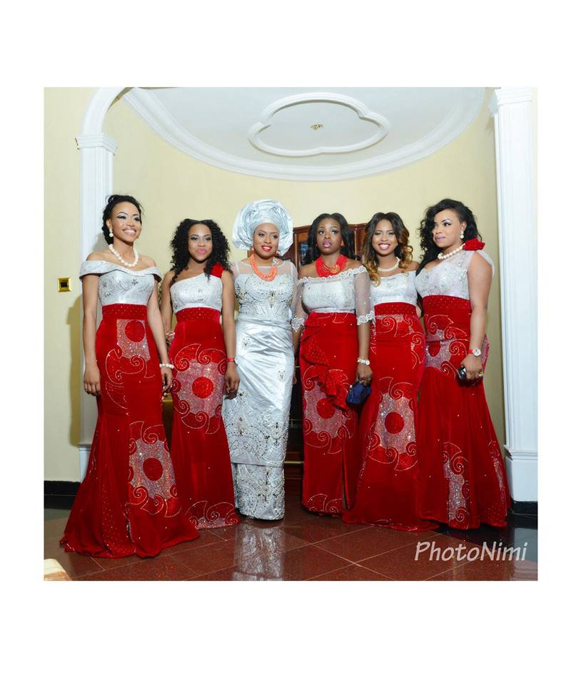 bride and friends in traditional attire, photonimi
